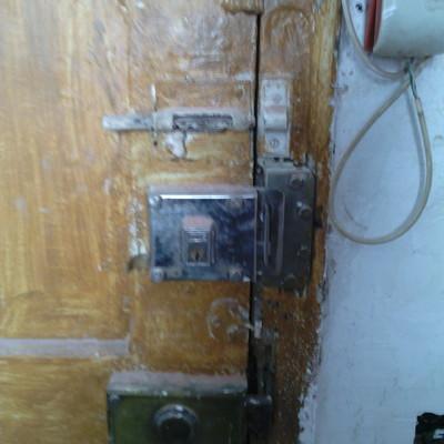 Restaurar puerta de madera eixample barcelona for Restaurar puertas de interior
