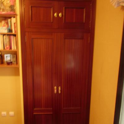 cambiar puertas abatibles de armario empotrado por