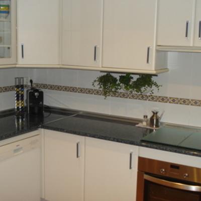 Alicatar solar cocina de 2 93 x 2 75 las rozas de for Alquiler de bajos con jardin en las rozas