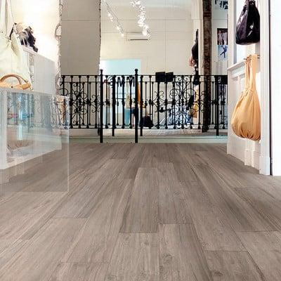 Instalaci n suelo porcelanico imitaci n madera barber - Suelo gres imitacion madera ...