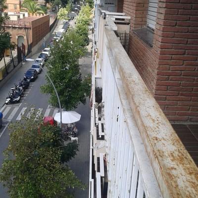 Pintar piso y barandillas barcelona barcelona for Precio pintar piso
