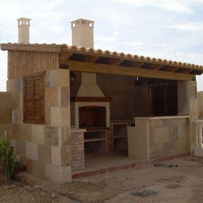 Construccion de barbacoa con tejado urbanizacion la luz - Construccion barbacoa ...