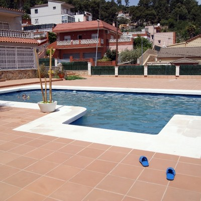 Instalacion placas solares en casa y piscina sant vicen for Puedo poner placas solares en mi casa