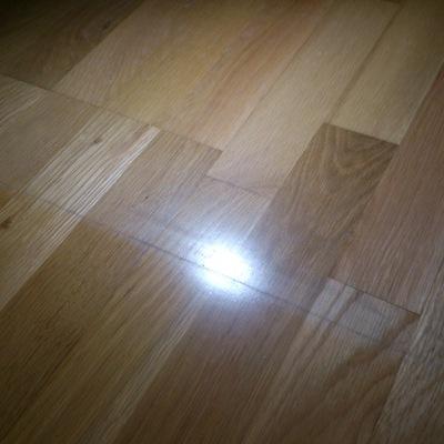 Reparar parquet de habitacion marcado por alfombra - Reparar piso parquet ...