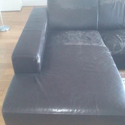 Tapizar un sof de tres plazas en piel una part es chaise - Tapizar sofa barcelona ...