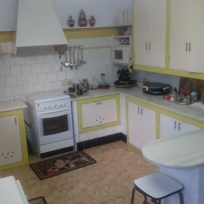 Cambiar muebles de cocina por otros de madera maciza de - Cambiar muebles cocina ...
