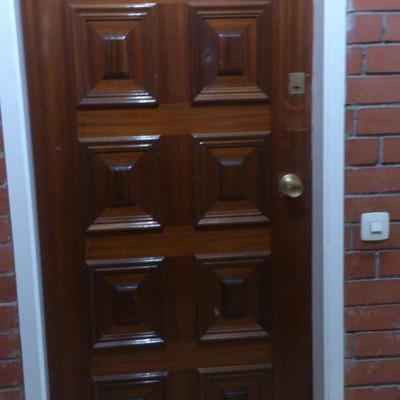 Cambiar puerta exterior esparreguera barcelona for Cambiar puertas piso
