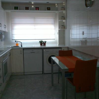 Pintar azulejos cocina suelo adhesivo cocina zaragoza for Pintar suelo cocina