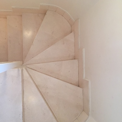 Poner suelo de tarima en una escalera de piedra estilo - Precio poner tarima ...