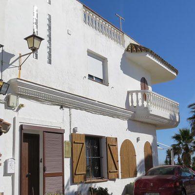 Pintar fachada primera linea de playa zahara de los for Presupuesto pintar fachada chalet