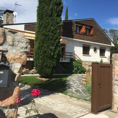 Pintar fachada y sustituir madera de fachada cerceda for Presupuesto pintar fachada chalet