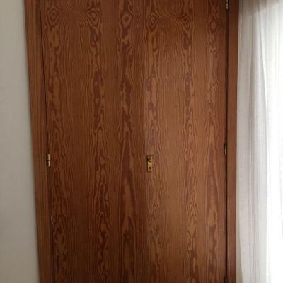 Cambiar 9 puertas lacadas de interior y rehacer 3 armarios for Presupuesto puertas interior