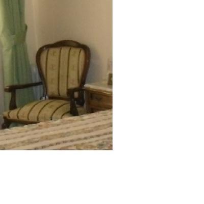 Precio tapizar sillas o butacas en sevilla ciudad for Tapizar sillas precio