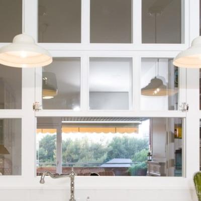 Ventana cristalera para separaci n cocina y sal n madrid for Separacion cocina salon