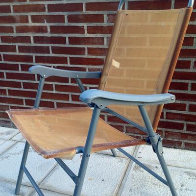 Tapizar cuatro sillas de jard n aldeamayor de san martin - Tapiceros valladolid ...