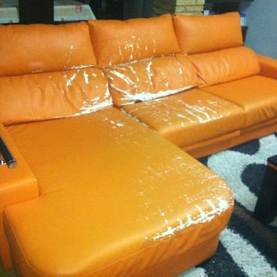 Tapizar un sofa chaise longue valencia valencia for Reparar sofa polipiel