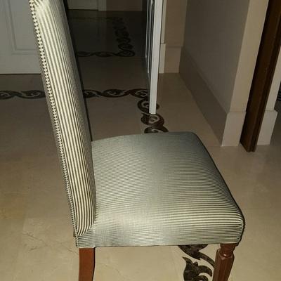Tapizar sillas asiento y respaldo encolar patas y tapizar sof de tres plazas las matas las - Precio tapizar sillas ...