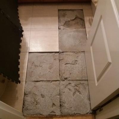 Poner baldosas en suelo de ba o castillo de vi uelas - Poner baldosas suelo ...