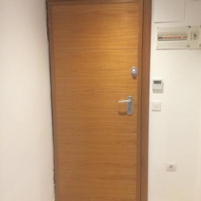 Cambiar bomb n puerta acorazada valencia valencia for Cambiar puertas piso
