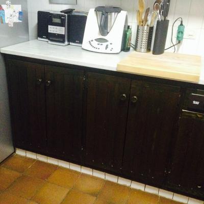 Lacar en blanco puertas de madera teñida de armarios cocina - Celra ...