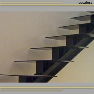 Escalera exterior de hierro andratx illes balears for Construccion de escaleras de hierro