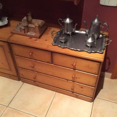 Pintar muebles madera en estilo vintage peralada girona for Pintar muebles estilo vintage