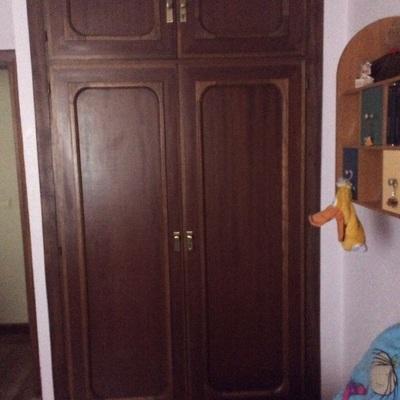 Reformar armario empotrado de dos puertas de bisagra y for Reformar puertas