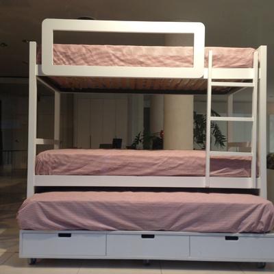 Hacer una cama litera con escalera y barandilla en la parte de arriba y otra cama extensible - Escaleras para literas infantiles ...