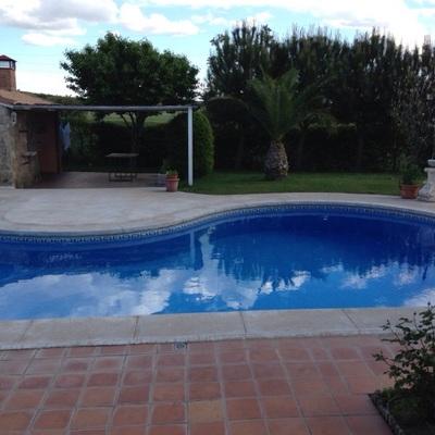Cambiar bordillo completo entrealamos majadahonda for Bordillo piscina