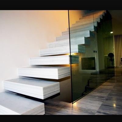 sin imagen - Escaleras Voladas