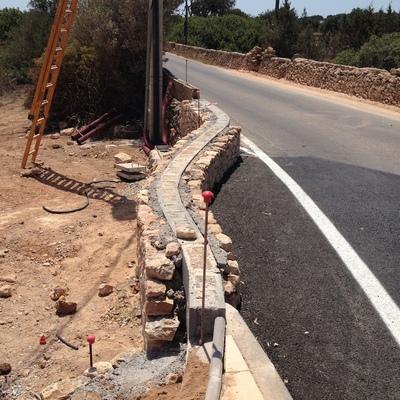 Construir muro de piedra seca pla de na tesa illes - Hacer pared de piedra ...