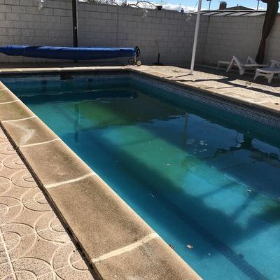 Arreglo de piscina urbanizaci n calypo fado calipo for Piscina 8x4 profundidad