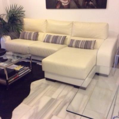 Tapizar sofa de piel blanca mijas costa m laga - Tapiceros en malaga ...