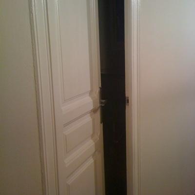 Restaurar y pintar puertas del interior barcelona for Restaurar puertas de madera interior