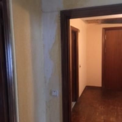 Reparar una habitaci n por humedades del piso superior madrid madrid habitissimo - Precio por pintar una habitacion ...