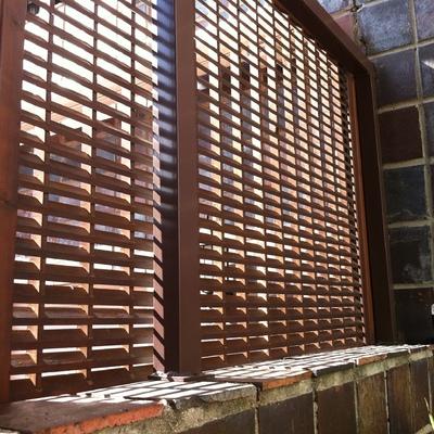 Instalar celosia de madera en terraza retiro madrid - Celosia de madera ...