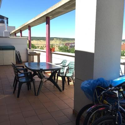 Cerramiento de terraza con cortina de cristal burgos for Cerramiento terraza cristal precio