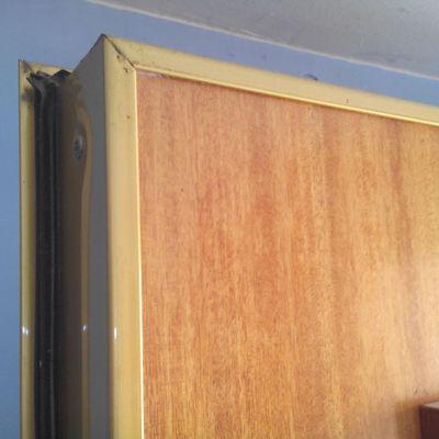 Insonorizar puerta de entrada perfect imagejpeg with for Puerta xor de tres entradas