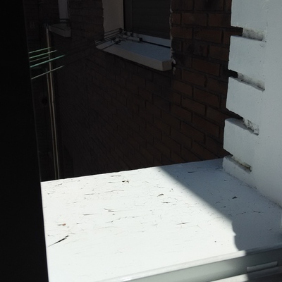 colocacion de azulejos vierteaguas en tres alfeizar de