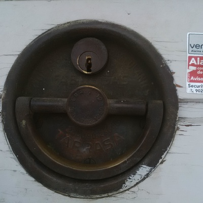 Cambiar bomb n puerta garaje granollers barcelona - Precio bombin puerta ...