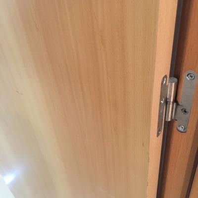 Reformar puertas interior de madera laminada horta for Puertas madera barcelona