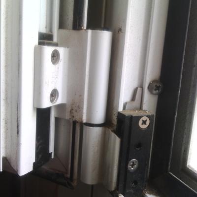 Cambiar bisagra ventana giesses oscilobatiente inferior for Ventana oscilobatiente precio