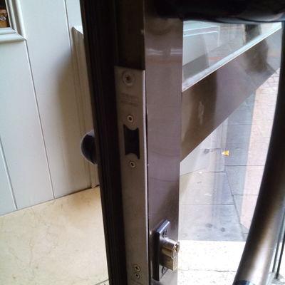 reparar o cambiar el pa o de la puerta de entrada