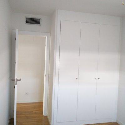 Reformar armarios empotrados interior y frente madrid - Reformar armario empotrado ...
