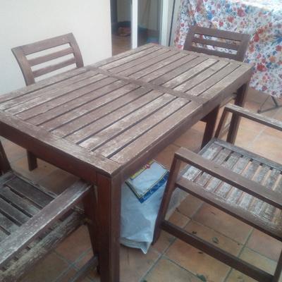 Lijar y pintar mesa y 4 sillas de teka sitges barcelona - Pintar sillas de madera sin lijar ...