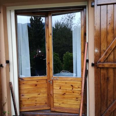 Reformar puerta ventana en villanua villanova huesca for Reformar puertas
