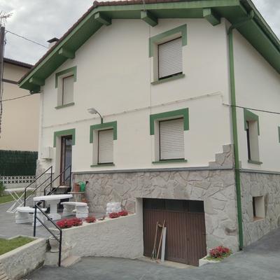 Presupuesto para pintar fachada exterior casa unifamiliar y para cambio de canalones anaka - Presupuesto pintar casa ...
