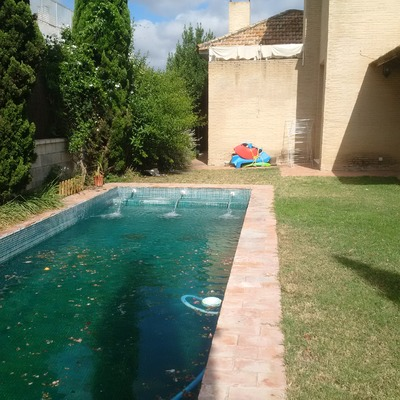 Solar bordes piscina bollullos de la mitaci n sevilla for Piscinas sevilla precios