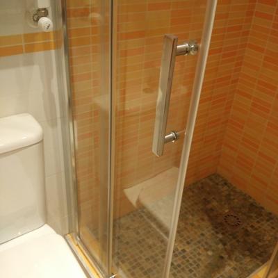 Puerta cristal templado mampara ducha en puerta de toledo madrid madrid habitissimo - Mampara ducha madrid ...