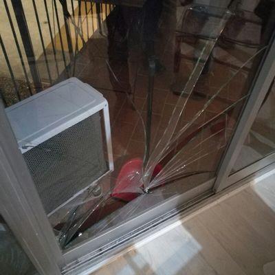Cambiar cristal de puerta corredera rota barcelona for Cambiar puertas piso